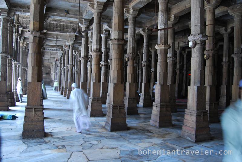 inside Jami Masjid Mosque (1424) Ahmeabad Gujarat India.jpg