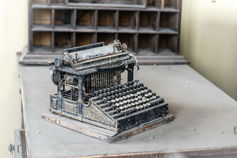 Typewriter (1 of 1).jpg