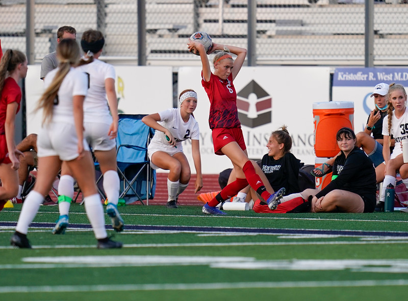 CCHS-vsoccer-pineview1820.jpg