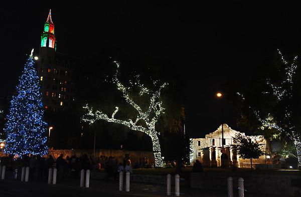 ALAMO PLAZA CHRISTMAS 2011