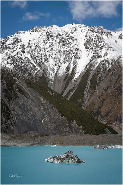 JZ7_3819 Mtn Iceberg Lake LPr4W.jpg
