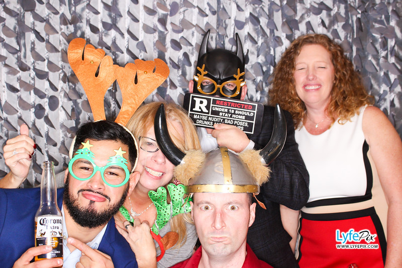 red-hawk-2017-holiday-party-beltsville-maryland-sheraton-photo-booth-0180.jpg