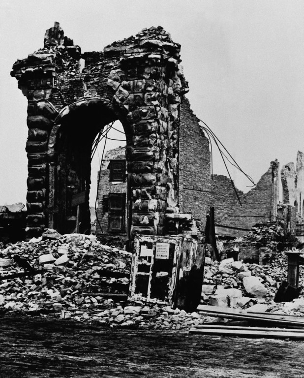 . Results after Chicago Fire in 1871. (AP Photo)