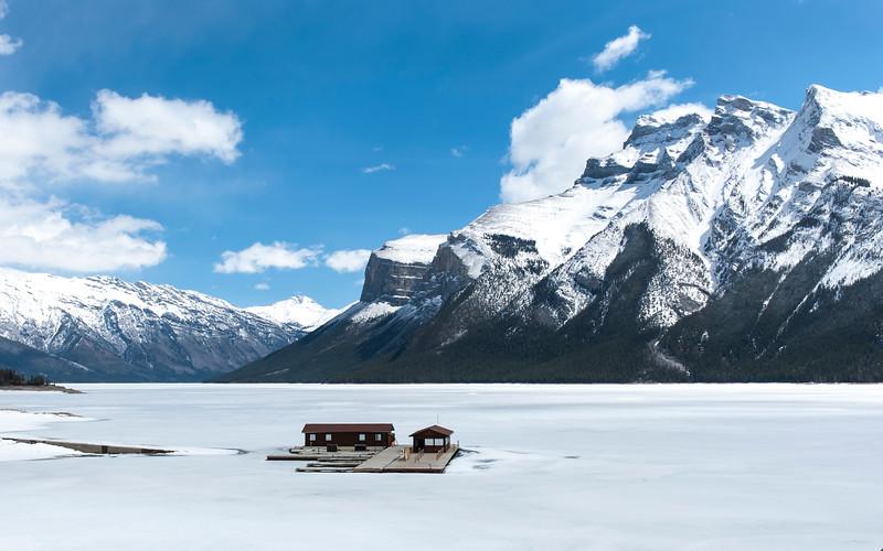Lake Minnewanka - Banff Alberta
