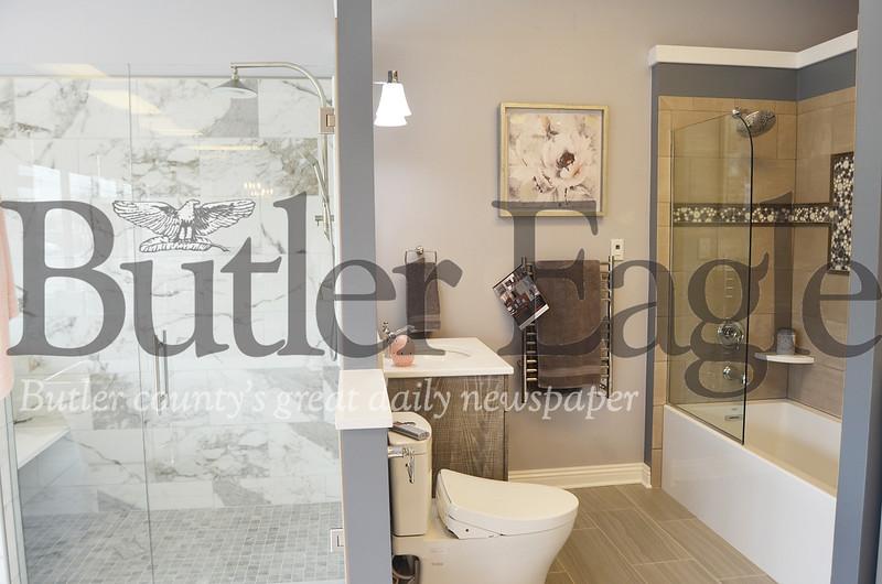 0428_LOC_Bathroom1.jpg