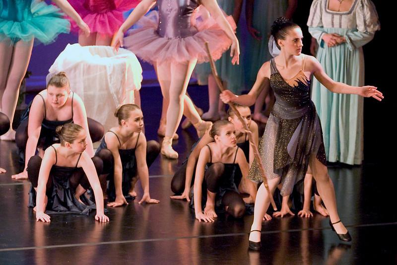 dance_05-22-10_0169_2.jpg