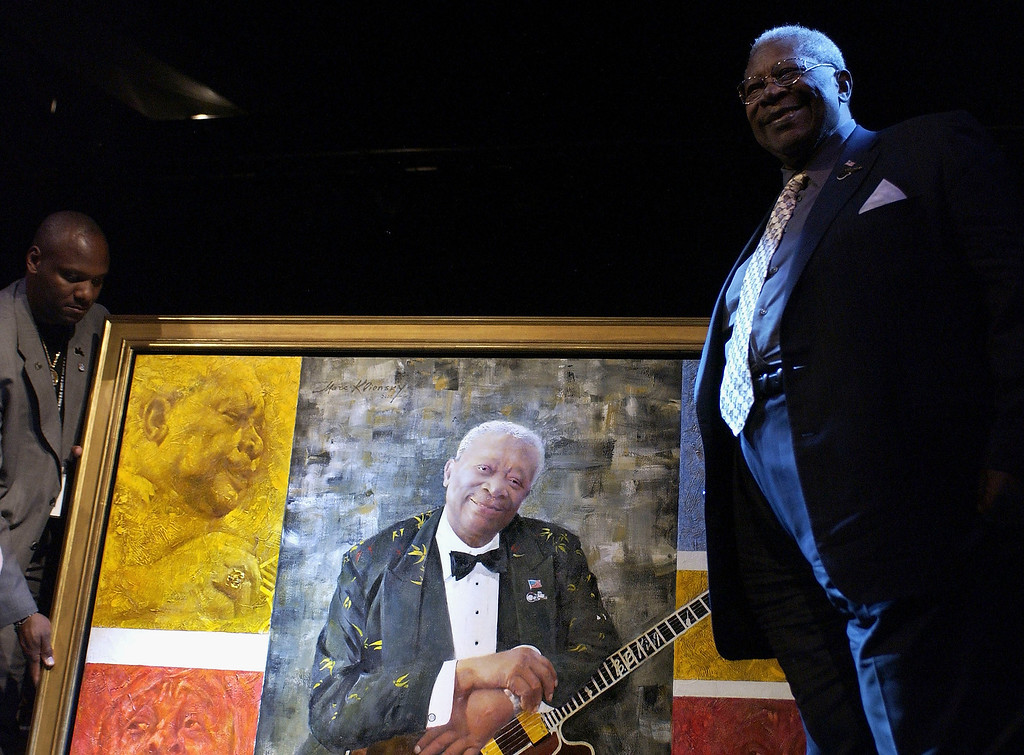 . Musician B.B. King is presented with a portrait of himself at his 80th birthday celebration at the home of Sam and Mary Haskell on September 20, 2005 in Encino, California.  (Photo by Amanda Edwards/Getty Images)