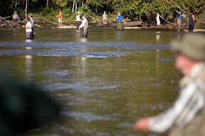 Salmon fishing at the Homestead Dam