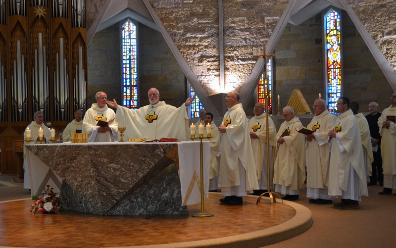 Jubilarians are joined by other SCJs around the altar