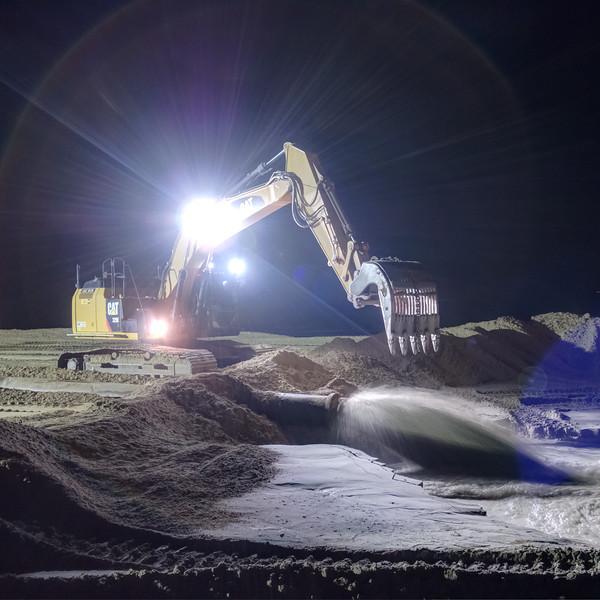 Kustwerk Katwijk by night