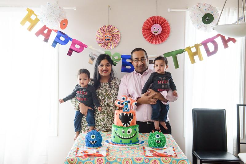 Roshin & Vinash Birthday Cakesmash-55.jpg