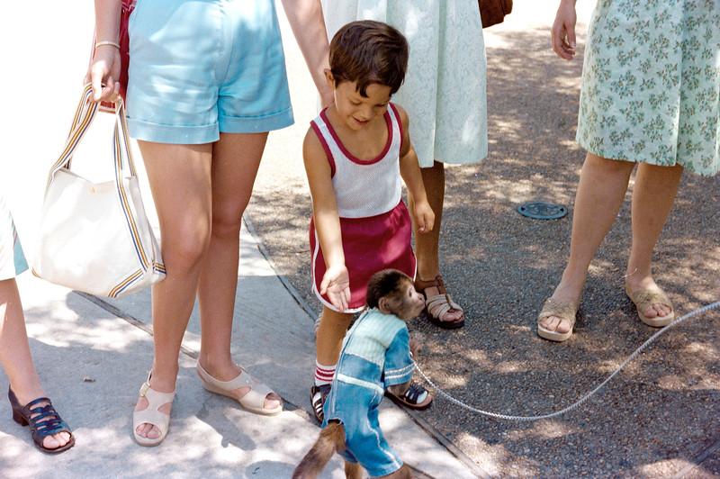 1978-5-14 #2 Erica At Beach.jpg