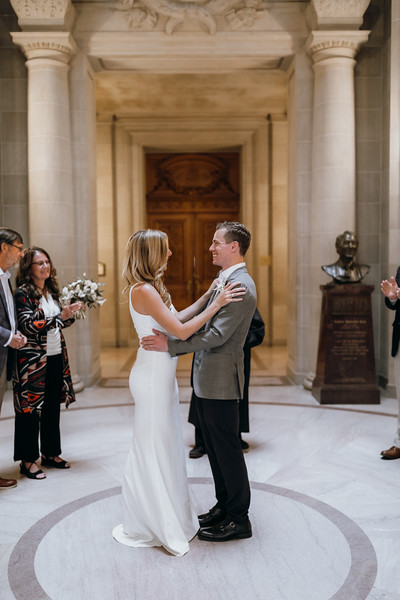 2018-10-04_ROEDER_EdMeredith_SFcityhall_Wedding_CARD1_0219.jpg