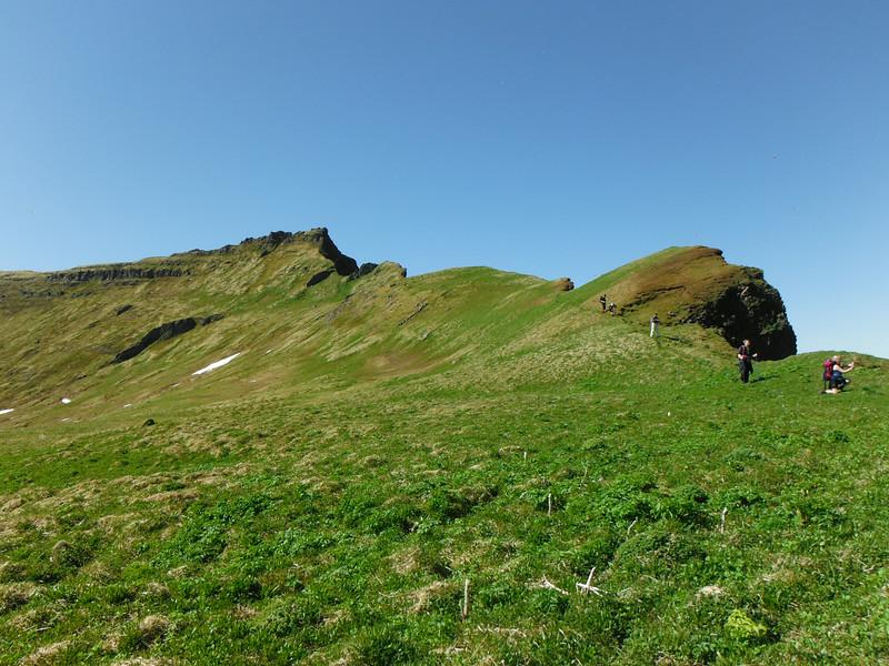 Miðfell, Hakið , Svaðaskarð, Miðdalsbreiða og Miðdalsgjá