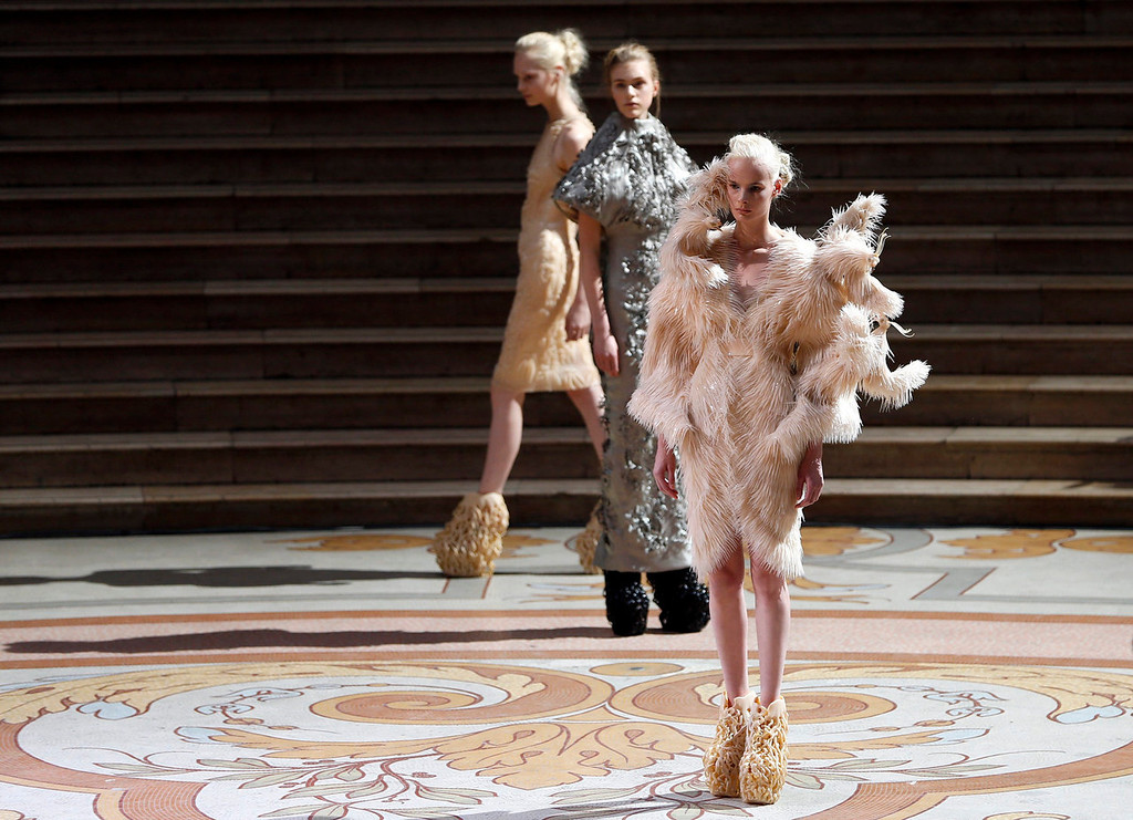 . Models present creations by designer Iris van Herpen as part of her Haute Couture Fall Winter 2013/2014 fashion show in Paris July 1, 2013.  REUTERS/Charles Platiau
