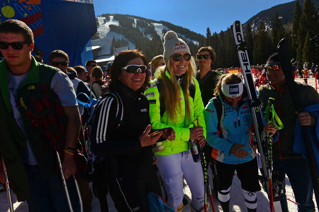 . American Lindsey Vonn is mobbed by fans after the Women\'s downhill race in the FIS Alpine World Ski Championships in Beaver, CO. February 6, 2015 as she makes her way to the shuttle.  She finished 5th in the race. (Photo By Helen H. Richardson/The Denver Post)