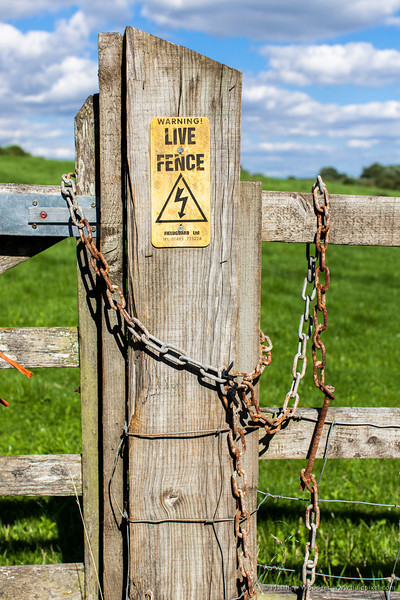Woodget-130811-239--chain, electrical, fence, gate, Woodget.jpg