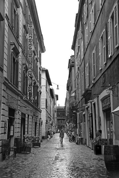 Alley in Rome.jpg