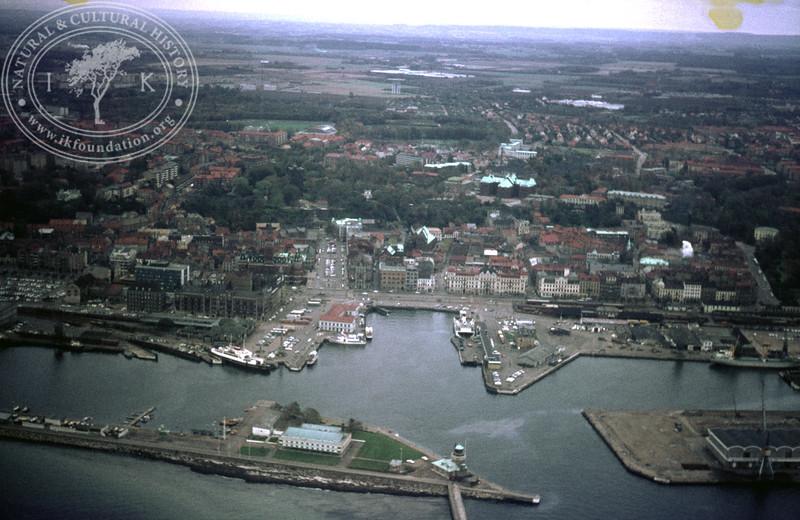 Helsingborg City with Harbor and Kärnan | EE.1225