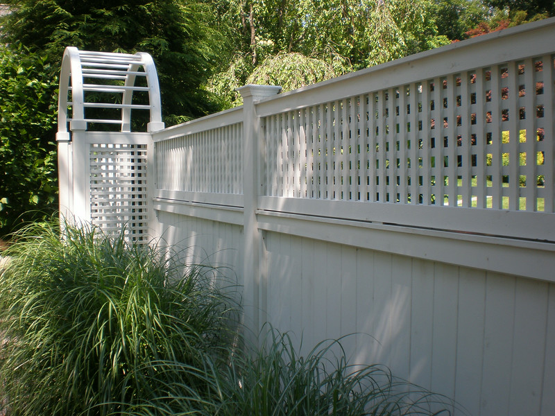 190 - Darien CT - Arbor with Universal & Lattice