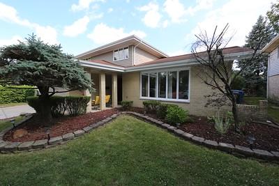 Matricia Realtor house #8 5851 W 125th PL Alsip IL
