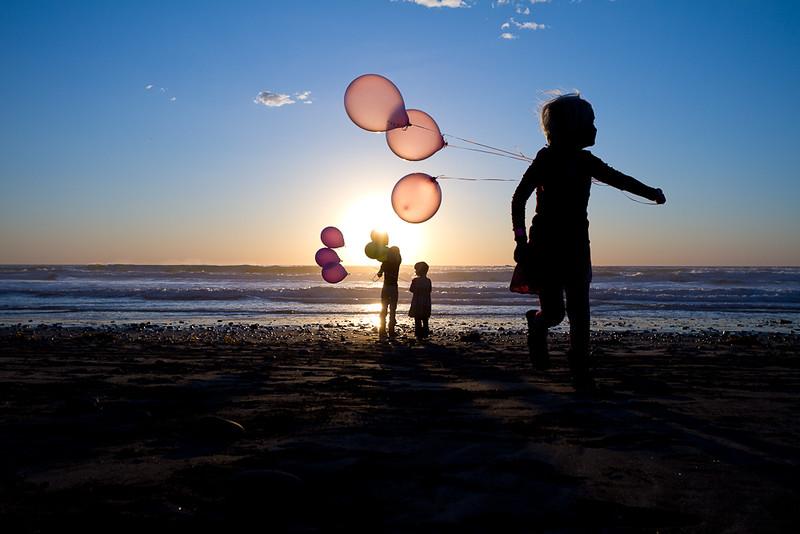 Balloonsatthebeach-9325-2.jpg