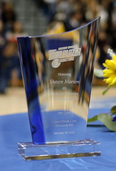 _MG_4607-Shawn Marion Glass Award.jpg