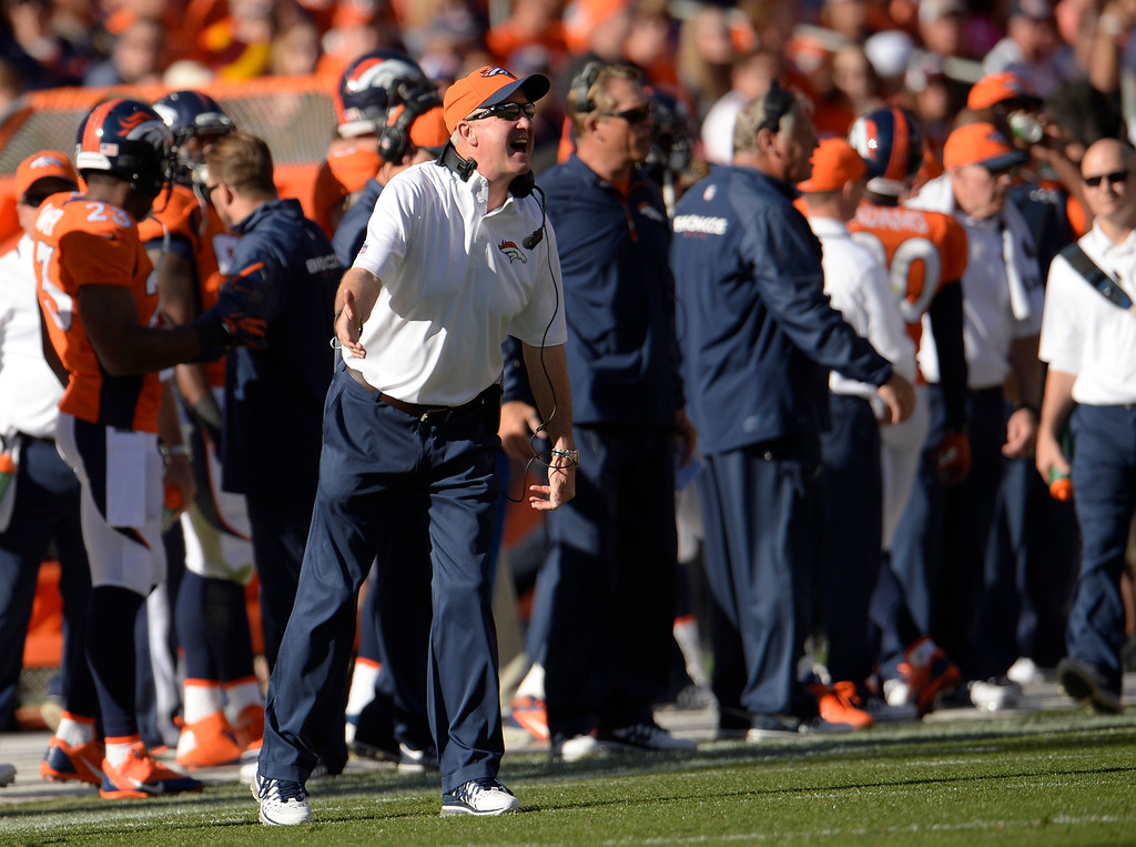 . Denver Broncos head coach John Fox yells from the sidelines in the second quarter against the Washington Redskins.   (Photo by Joe Amon/The Denver Post)