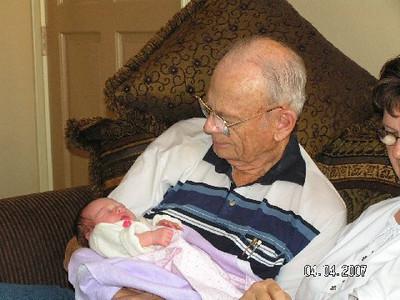 April 4_ 2007 Great grandparents and Auntie Linda visit Gracie 031.jpg