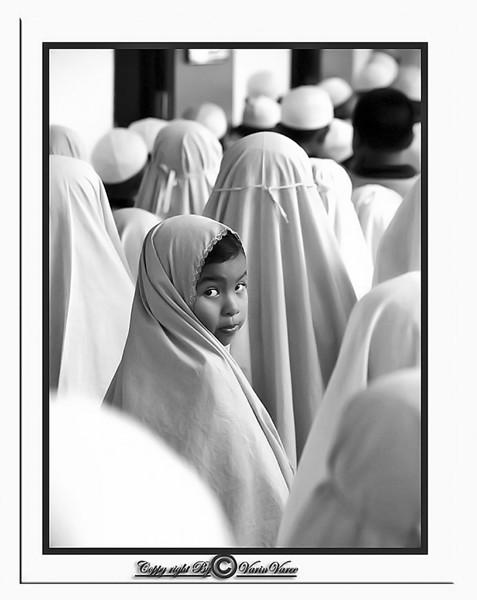 25. 'Looking Back', by dara. 9/3/07, Olympus E-510.