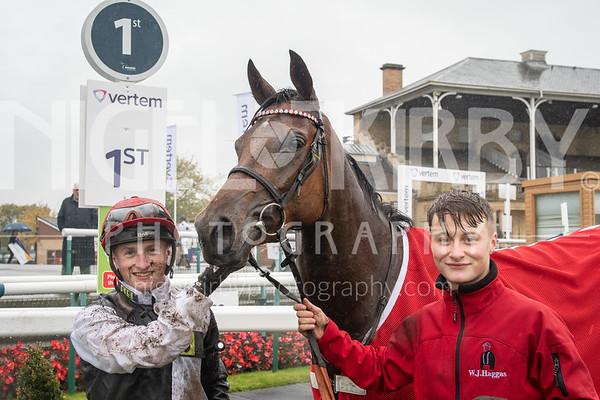 Doncaster Races - Fri 25 Oct 2019