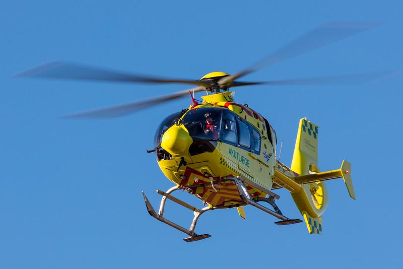 LN-OOV-EurocopterEC-135P-2+-NorskLuftambulanse-BLL-EKBI-2016-02-17-_K6A4300-DanishAviationPhoto.jpg