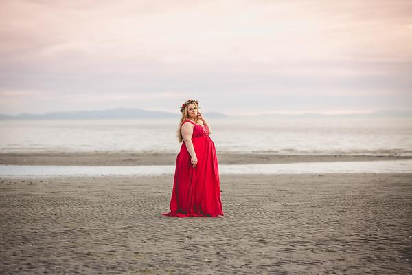 Anastasiya | Maternity