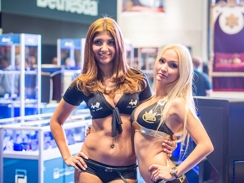 Girls at Gamescom 2013