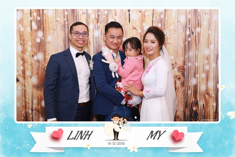 Linh-My-wedding-instant-print-photo-booth-in-Ha-Noi-Chup-anh-in-hnh-lay-ngay-Tiec-cuoi-tai-Ha-noi-WefieBox-photobooth-hanoi-111.jpg