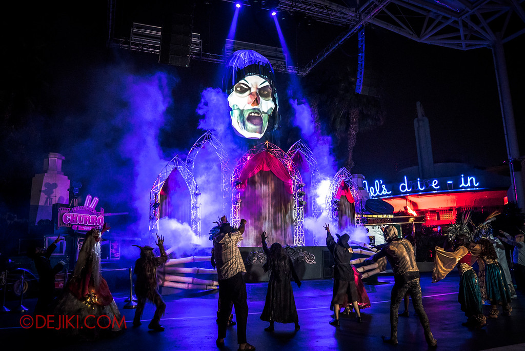 Halloween Horror Nights 6 - Opening Scaremony / Jack the Clown on the skull