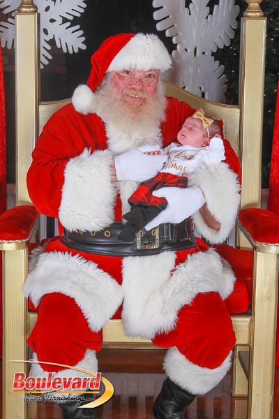 Santa 12-10-16-272.jpg