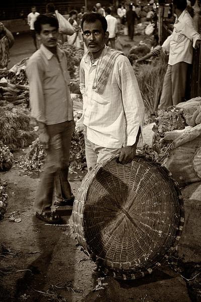 Basket vendor