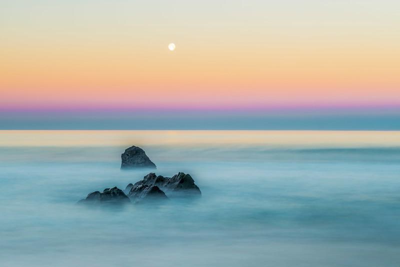 Big Sur_Moonset-2.jpg