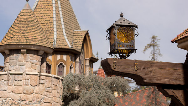 Disneyland Resort, Disneyland, Fantasyland, Castle Heraldry Shoppe, Castle, Heraldry, Shop