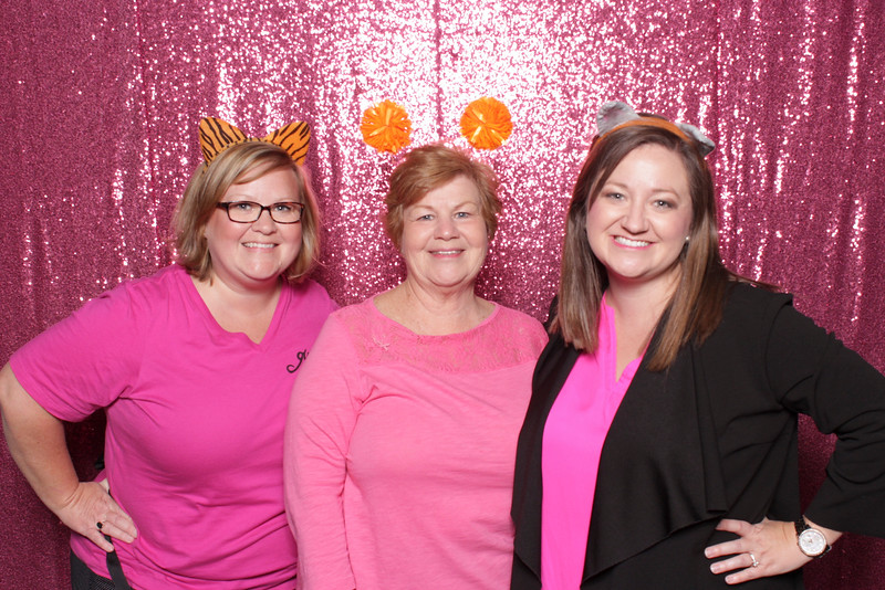 bunco-breast-cancer-2019-10-17-55490A.jpg