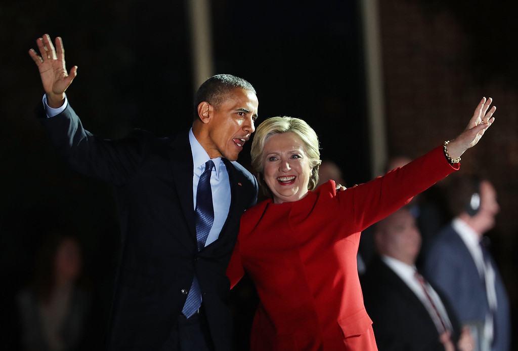 . PITTSBURGH, PA - NOVEMBER 07:  Democratic presidential nominee former Secretary of State Hillary Clinton stands with President Barack Obama during an election eve rally on November 7, 2016 in Philadelphia, Pennsylvania. As the historic race for the presidency of the United States comes to a conclusion, both Clinton and her rival Donald Trump are making their last appearances before voting begins tomorrow.  (Photo by Spencer Platt/Getty Images)