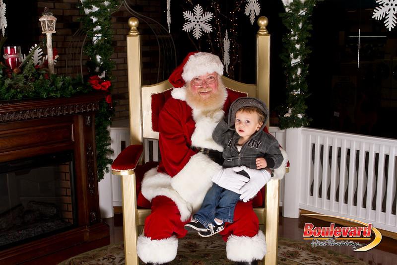 Santa Dec 15-219.jpg