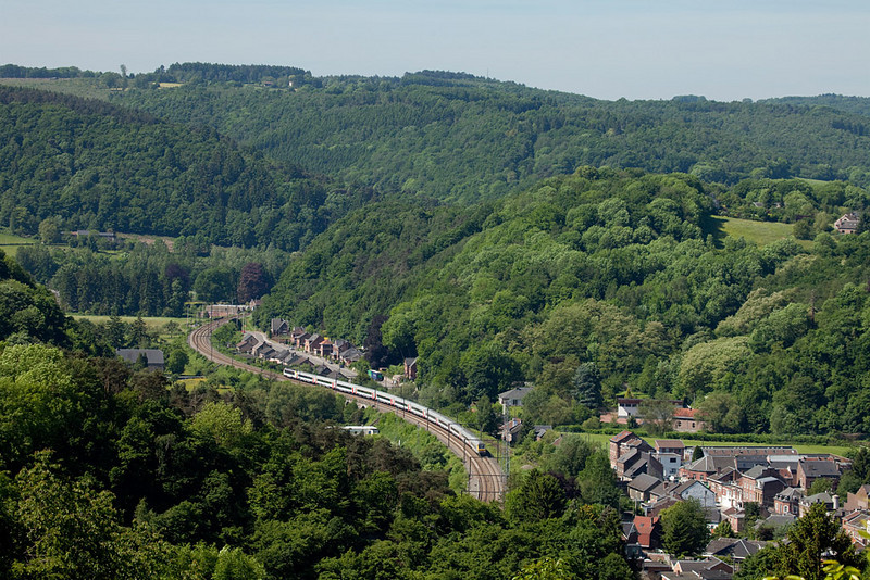 IC-A headed for Eupen between Fraipont and Nessonvaux in the Vesdre valley.