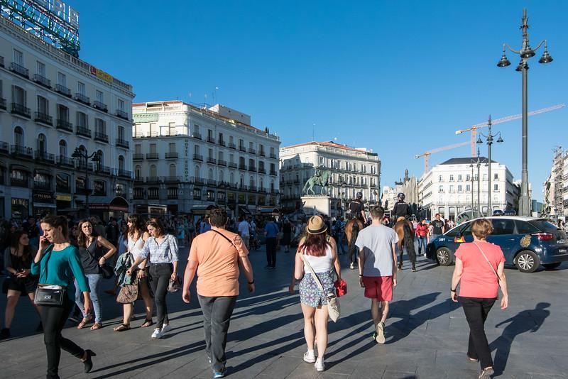Puerta del Sol, Vast pedestrian public square