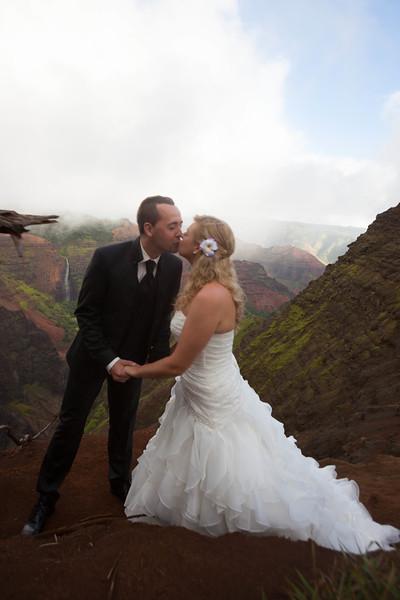 Kauai-trash-the-dress-15.jpg