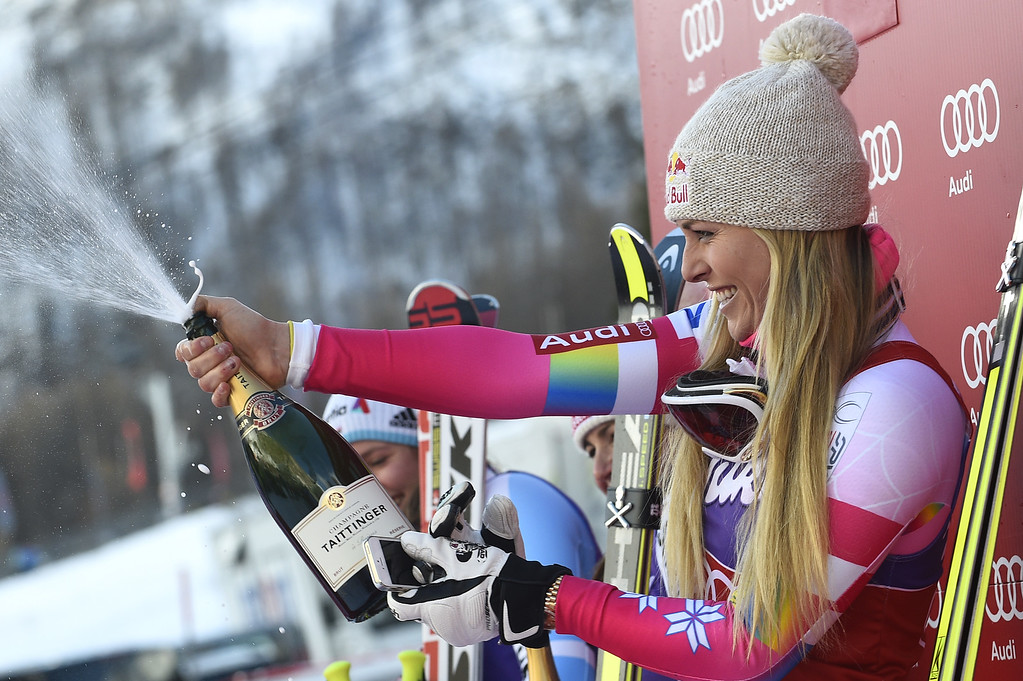 . VAL D\'ISERE, FRANCE - DECEMBER 20: (FRANCE OUT) Lindsey Vonn of the USA takes 1st place during the Audi FIS Alpine Ski World Cup Women\'s Downhill on December 20, 2014 in Val d\'Isere, France. (Photo by Alain Grosclaude/Agence Zoom/Getty Images)
