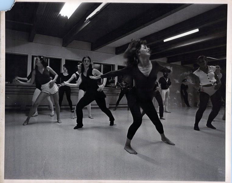 Dance_2384_a.jpg