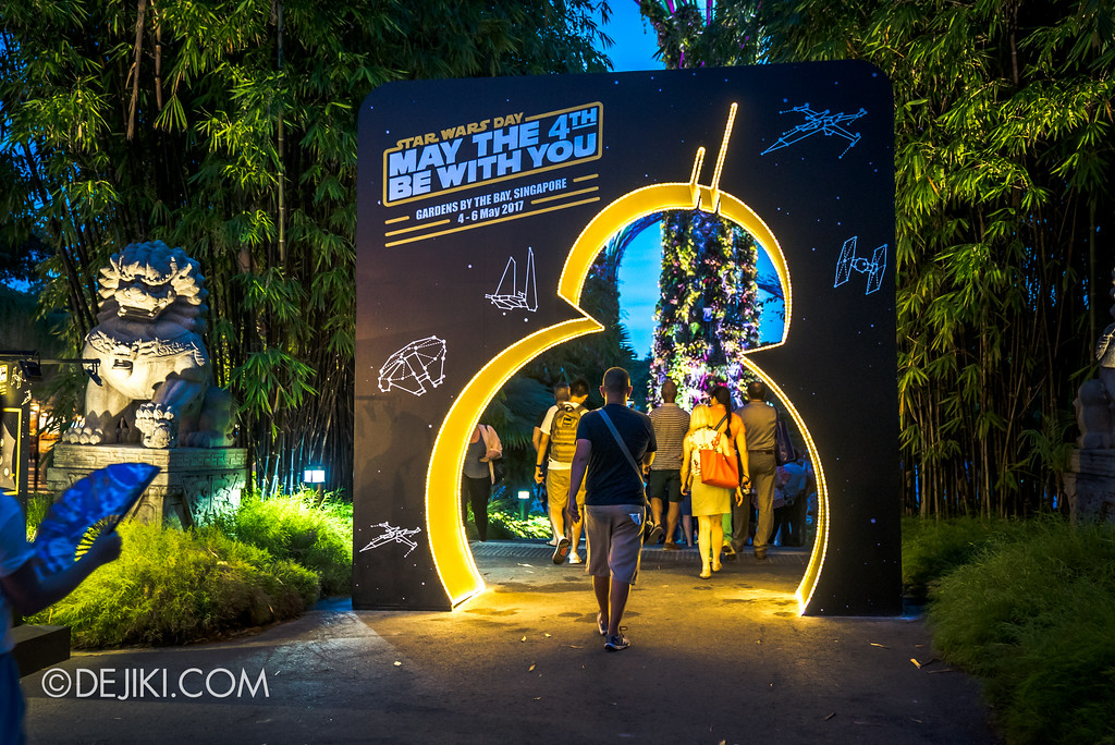Gardens by the Bay - Star Wars Day 2017 - BB-8 entrance