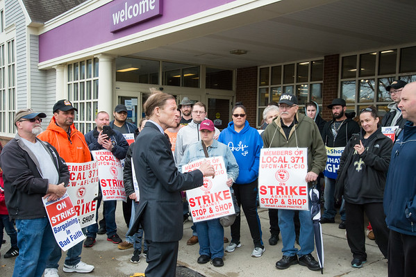 04/15/19 Wesley Bunnell | Staff Senator Richard Blumenthal visited area Stop & Shop Supermarkets on Monday afternoon speaking to striking workers on the importance of not just protecting their jobs but helping to uphold other jobs in the middle class. Senator Blumenthal speaks to a large crowd of strikers during his visit to the Bristol Stop & Shop on Pine St.